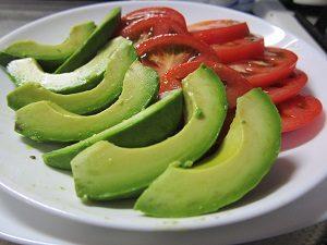 アボカドは糖質が少ないから野菜ジュースダイエットに向いてるよん。