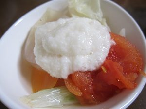 脂肪燃焼スープに山芋をかけて食べてみます
