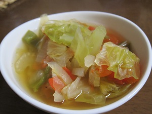 これが脂肪燃焼スープ。言って見たらフツーの野菜スープだけどね