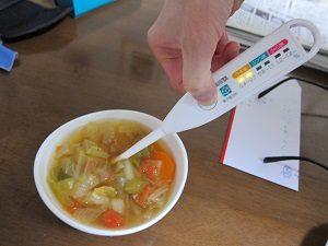 脂肪燃焼スープを塩分計で計ってみる