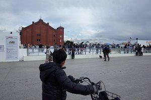 赤レンガ倉庫でアイススケートやってました