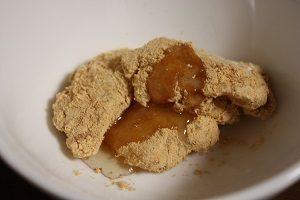 きなこ餅にハチミツをかけて食べてミタ!