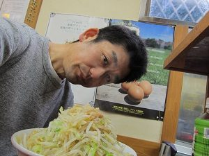月イチでラーメン二郎を食べる旦那くん