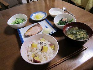 焼き魚でタンパク質を摂るようにしてるよん。