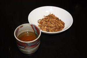 ごぼう茶を天日干しで作ったよん
