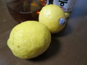 国産のレモンってお値段メチャ高いけどね〜。でも健康のため。無農薬の方が安心かも