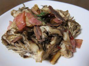 舞茸のニンニク炒め。我ながら美味しかったよん