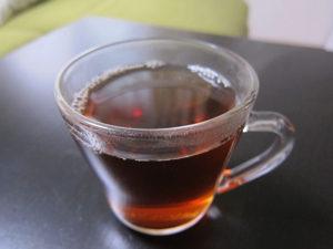 温かいプーアル茶を飲むのは白湯ダイエットを兼ねていることにもなるよ。
