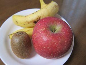 りんごだけじゃなくて他の食材も食べるのが大切よん